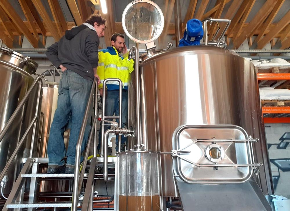 Les Zythonautes Brewing in France- 1000L brewery equipm